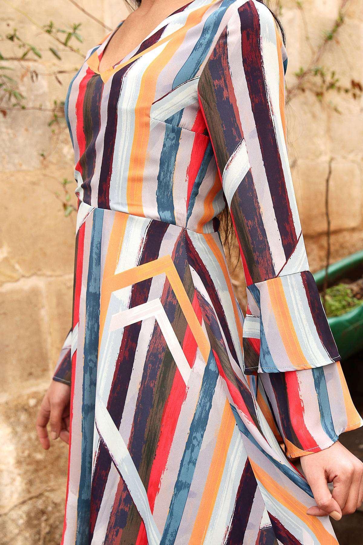 Renkli Boyama Çubuk Desenli İspanyol Fırfır Kol Midi Elbise Renkli