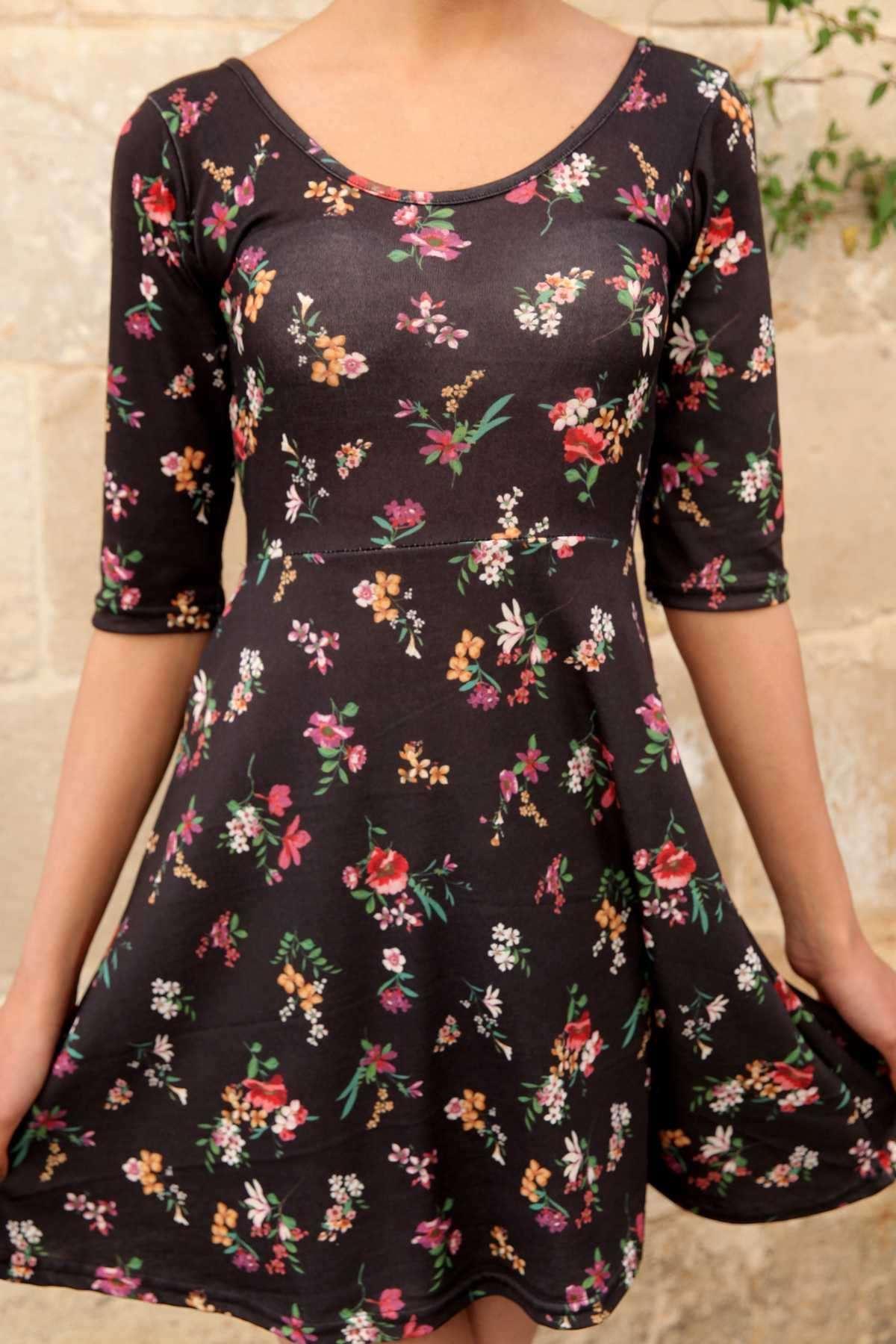 Renkli Çiçek Baskı Detaylı Altı Salaş Derin O Yaka Elbise Siyah