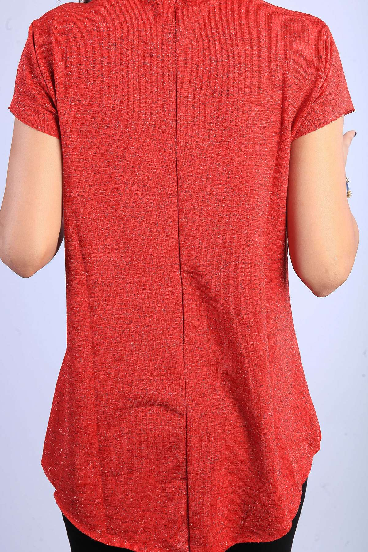 Sim Detaylı Yaka Kol Dikişsiz V Yaka Kısa Kol Bluz Kırmızı