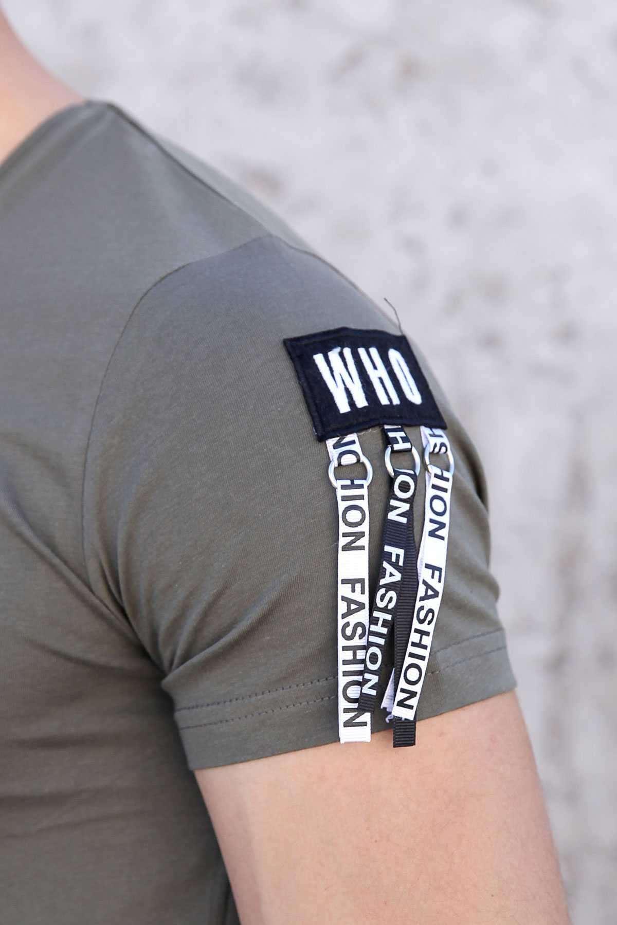 Tek Kol Halka Şerit Armalı Önü Küçük Kareli Slim Fit Tişört Haki