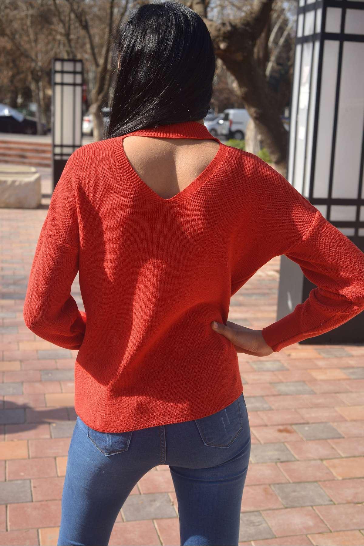 Tasma Yaka Dekolte Detaylı Triko Kırmızı