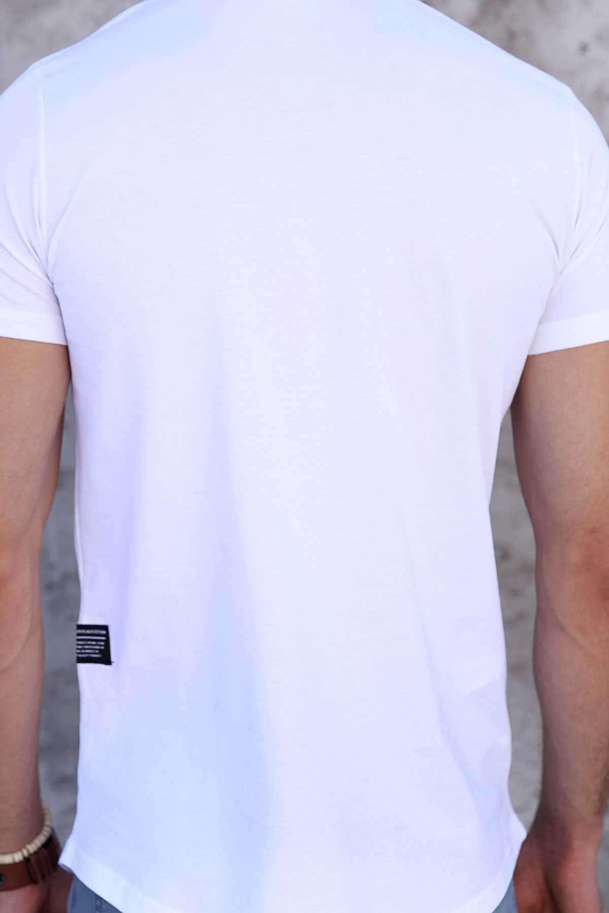 Tek Kol Halka Şerit Armalı Önü Küçük Kareli Slim Fit Tişört Beyaz
