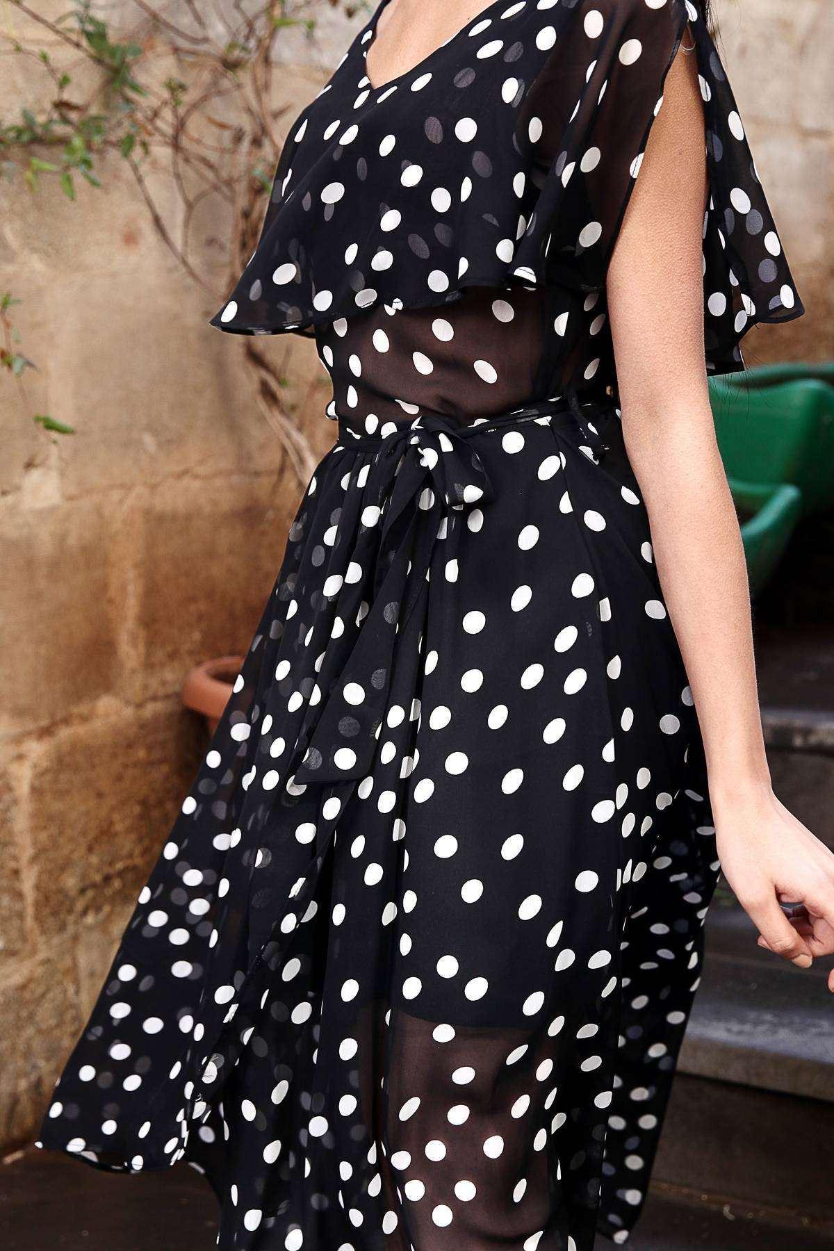 Yaka Fırfır Detaylı Sıfır Kol Puantiyeli Elbise Siyah