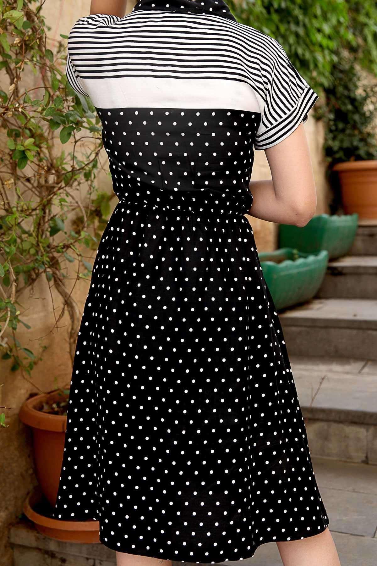 Yakası Ve Altı Puanlı Omuzları Çizgili Beli Büzmeli Elbise Siyah-Beyaz