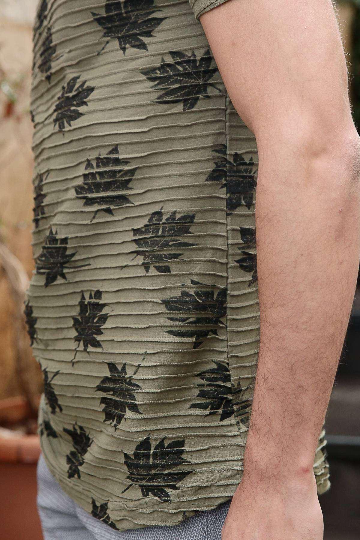 Yaprak Baskılı Enine Fitilli Slim Fit Tişört Haki
