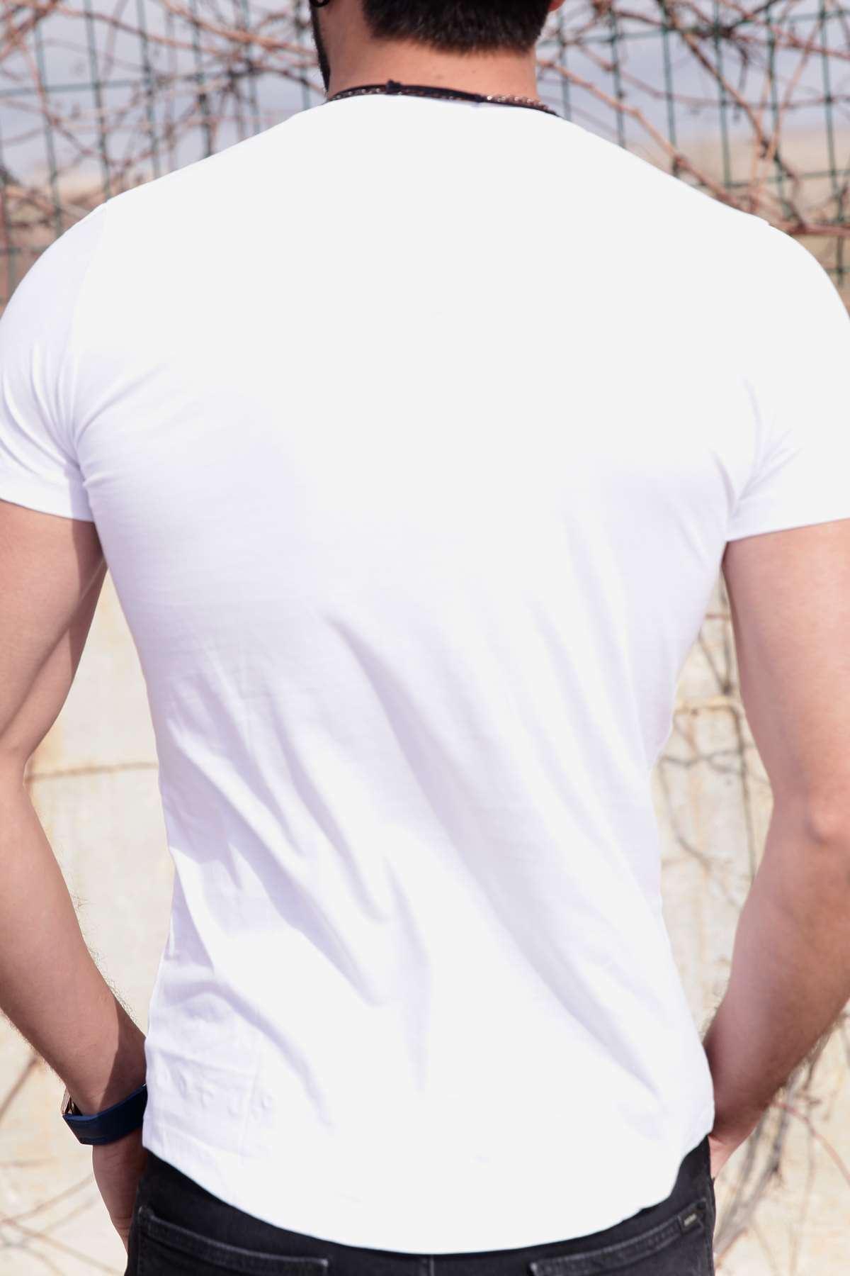 Yakası Ve Altı Metal Halkalı Slim Fit Tişört Beyaz