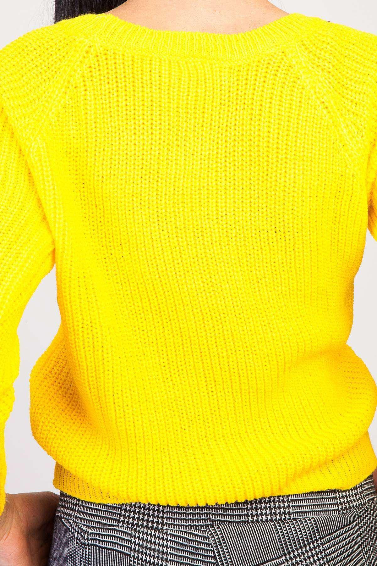 Zincirleme Desenli Yaka Detaylı Triko Sarı